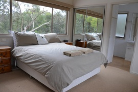 Waterfront Retreat at Wattle Point, Bairnsdale